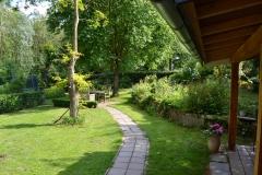 Het padje in de tuin